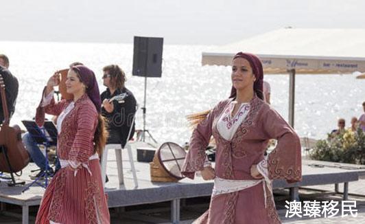 塞浦路斯生活水平如何?从衣食住行方面全面了解