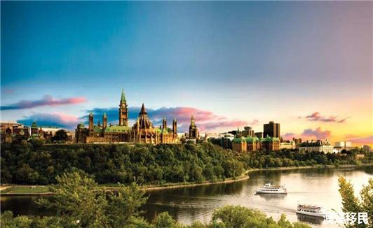 移民加拿大难吗?未来十年将吸引350万移民1.jpg